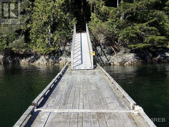 Lt F Michelsens Lane, Bamfield, British Columbia V0R 1B0 - Photo 4 - 454068