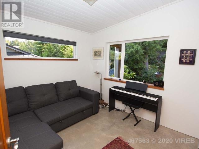 300 Tonquin Park Road, Tofino, British Columbia    - Photo 11 - 467563