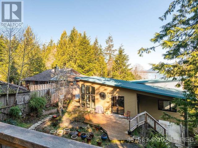 300 Tonquin Park Road, Tofino, British Columbia    - Photo 20 - 467563