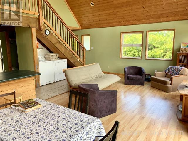 1361 Helen Road, Ucluelet, British Columbia V0R 3A0 - Photo 12 - 461367